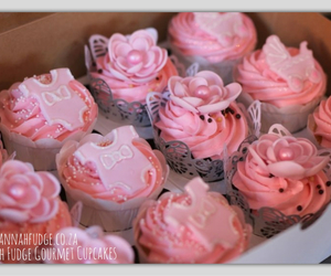 cupcakes, pink cupcakes, and pretty cupcakes image