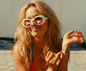 blonde, cine, and glasses image