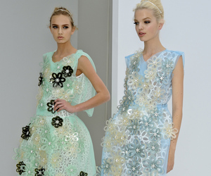 daphne groeneveld and louis vuitton spring 2012 image