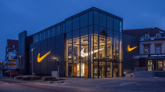 watch on feet images of huge inventory Nike Outlet: Sports fashion reduced | OUTLETCITY METZINGEN