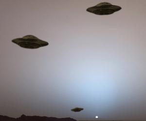 alien, ufo, and grunge image