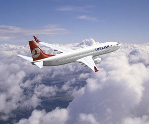 plane and turkish airlines image