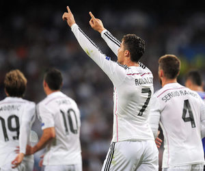 cristiano ronaldo, real madrid, and champions league image