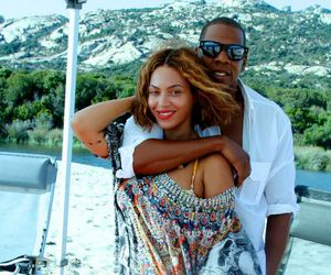 d, jay z, and Queen image
