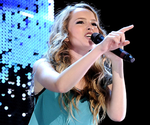 sing, bridgit mendler, and fingers up image