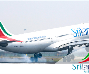 plane and srilankan airlines image
