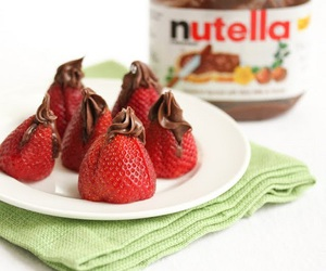 strawberry, chocolate, and nutella image