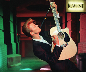 david bowie and guitar image