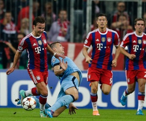 manchester city, bayern munchen, and Hot image