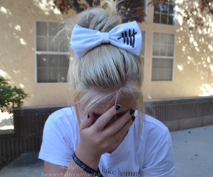 bow, girly, and 5 seconds of summer image