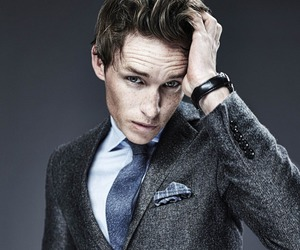 eddie redmayne, freckles, and Hot image