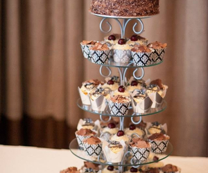 black forest cake, chocolate cake, and chocolate cupcakes image