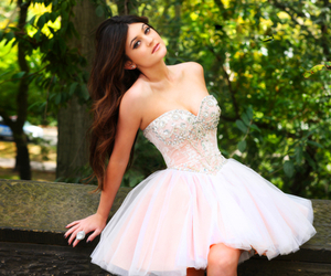dress, kylie jenner, and Prom image