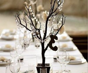 center piece image