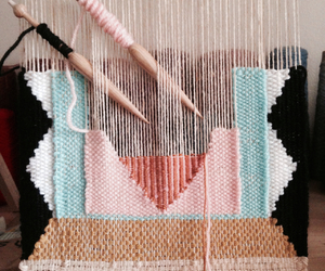 weaving and not peg looming image