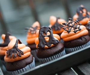 cupcake, food, and Halloween image
