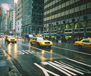 new york, taxi, and rain image