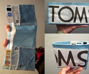 toms and wallet image