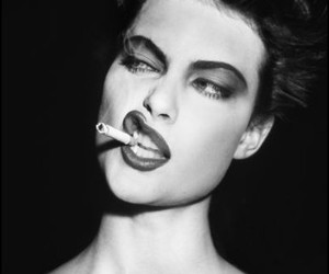 Shalom Harlow, cigarette, and model image