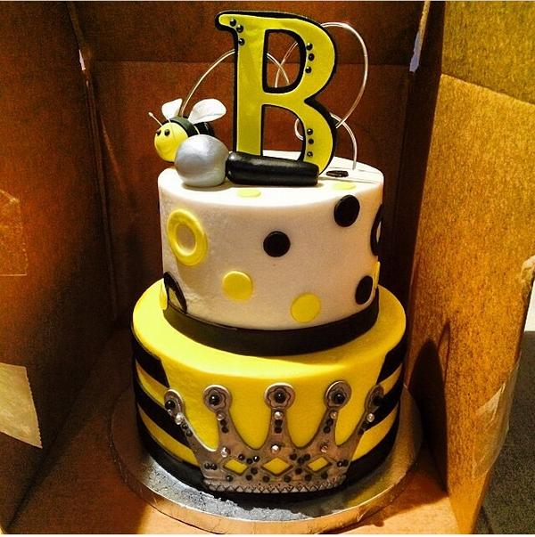 Astounding Beyonce Cake Shared By Jayne Reed On We Heart It Personalised Birthday Cards Cominlily Jamesorg