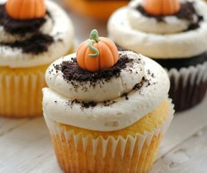 food, autumn, and cupcake image