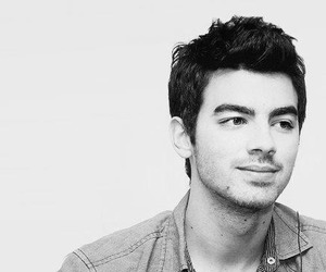 Joe Jonas and jonas brothers image
