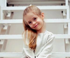 nikola szafeczka and child image