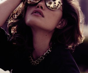phoebe tonkin, sunglasses, and model image
