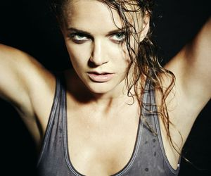 lo, tovelo, and singer image