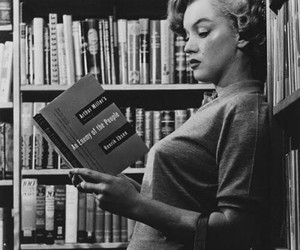 books, reading, and Marilyn Monroe image