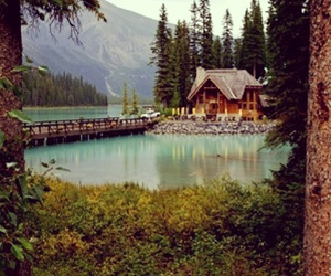 beautiful, canada, and chalet image
