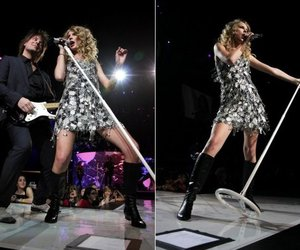 performing, Taylor Swift, and tell me why image