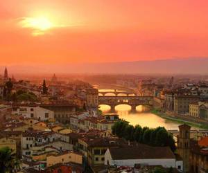 italia and florencia image