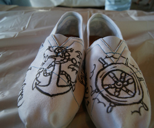 shoes, anchor, and toms image
