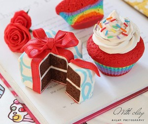 cake, cupcake, and delicious image