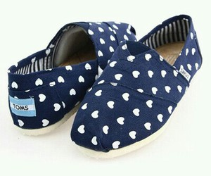 beautiful, hearts, and toms image