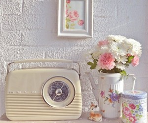 floral, pastel, and radio image