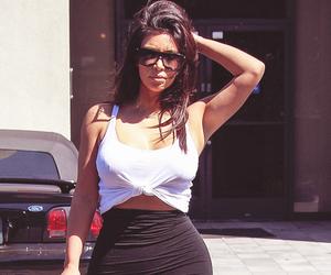 kim kardashian, fashion, and kardashian image