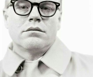 capote and philip seymour hoffmam image