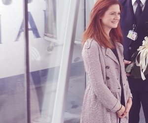 bonnie wright and girl image