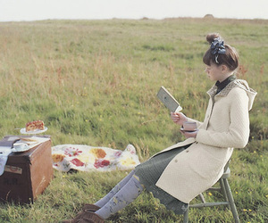 girl and picnic image