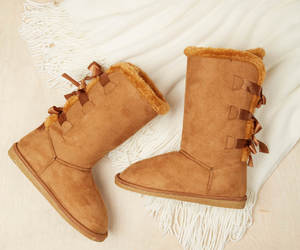 boots, comfy, and delias image
