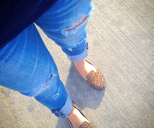 animal print, blue jeans, and mode image