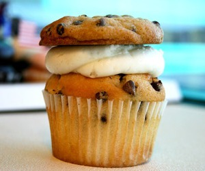 food, cupcake, and cookie image