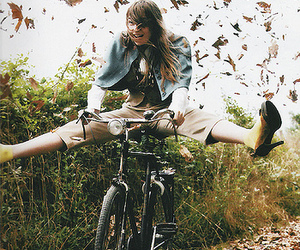 bike, autumn, and leaves image