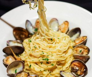 food and spaghetti image