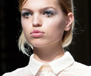 rochas, daphne groeneveld, and ss 15 image