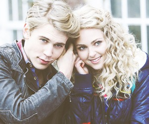 love, couple, and the carrie diaries image