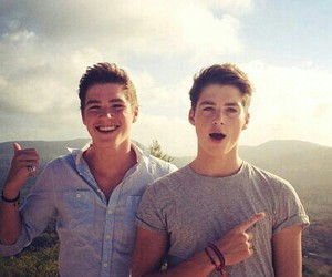 twins, youtubers, and perfect image