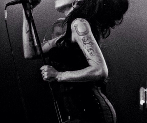 Amy Winehouse, black and white, and music image